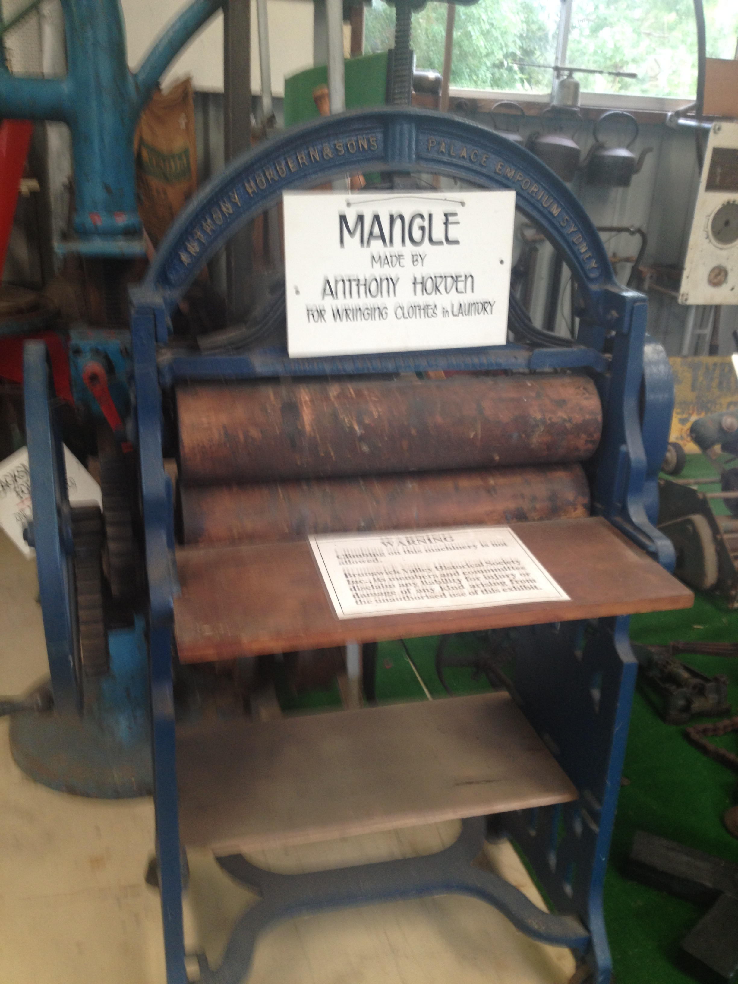 Industrial mangle